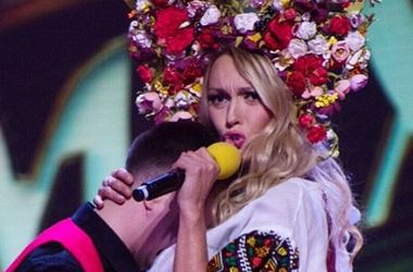 Олю Полякову осудили за трусы на концерте (фото)