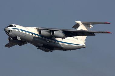 На границе Крыма кружат российские военные самолеты и вертолеты