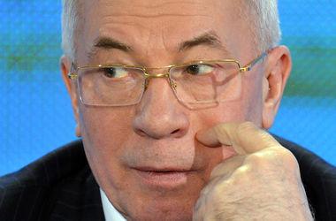 """Азаров в России придумал свой """"список врагов Украины"""""""