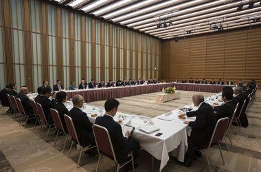 Порошенко зазывает японцев скупать в Украине порты и энергообъекты