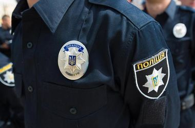 На Донбассе задержали копа-флориста