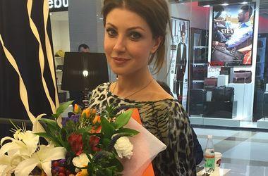 Актриса Анастасия Макеева блеснула грудью в нижнем белье (фото)