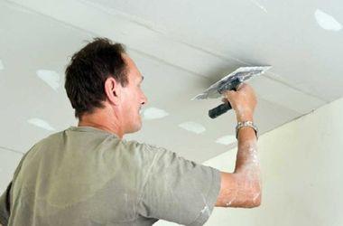 Как пошпатлевать потолок под покраску