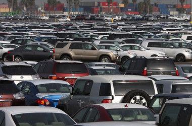 Украина отменит пошлины на импорт б/у авто - Яценюк
