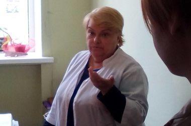 Подробности отравления киевской школьницы: девочка идет на поправку, а в школах проводят проверки