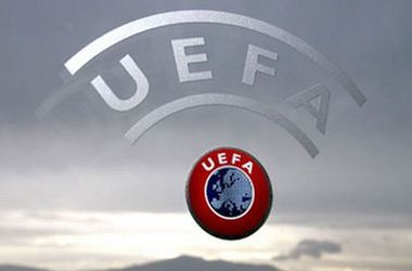 """Полиция посетила офис УЕФА после публикации """"панамских документов"""""""