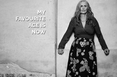 56-летняя модель снялась в нижнем белье для глянца