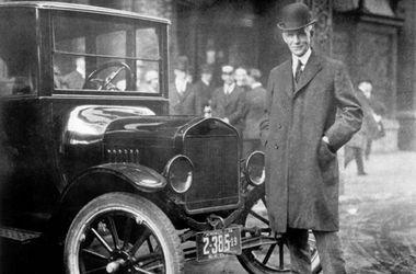 <p>Генри Форд со своим автомобилем. Фото: instagram.com/blockrosko</p>