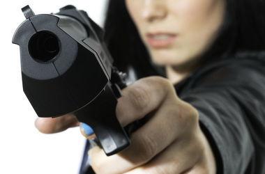В Черкасской области неизвестные обстреляли и ограбили пассажиров на автодороге