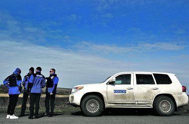 Миссия ОБСЕ дважды попала под обстрел на Донбассе