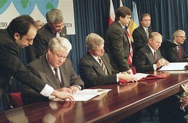 Украине нужно изменить формат переговоров по Донбассу - Хандогий
