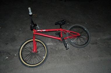 В Киеве поймали грабителя, который забрал у ребенка велосипед