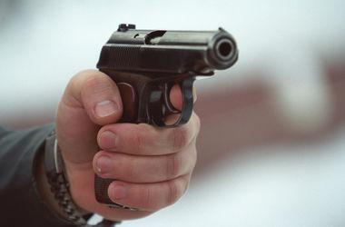 Под Киевом пьяный мужчина открыл стрельбу возле магазина