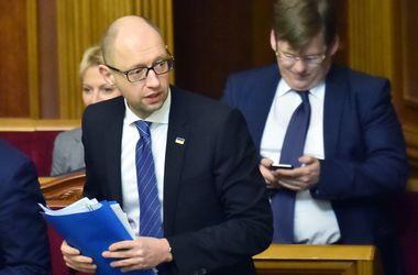 Отставка Яценюка и назначение Гройсмана: голосов нет, в БПП раскол, а кресла министров еще делят