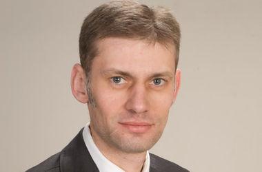 Профильный комитет Рады одобрил отмену постановления о признании работы Кабмина Яценюка неудовлетворительной – нардеп