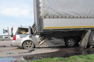 В Сети появилось видео страшной аварии на трассе Киев-Чоп