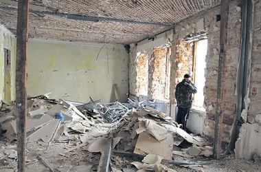 Скандал в Киеве: на Грушевского продолжают рушить старинный особняк