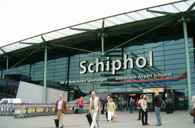Аэропорт Амстердама эвакуировали из-за угрозы теракта
