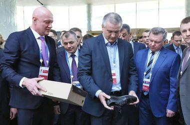"""Соцсети насмешил нелепый снимок """"губернатора"""" Крыма"""