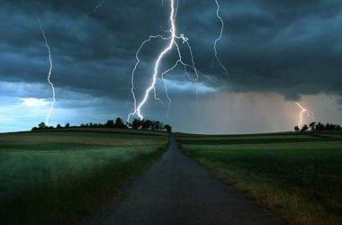 Молния убила мужчину в Запорожской области