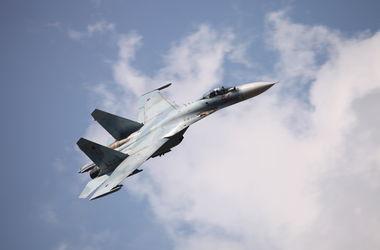 Российский Су-27 перехватил американский самолет-разведчик в небе над Балтикой
