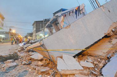 Число жертв жуткого землетрясения в Эквадоре растет