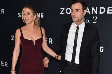 Дженнифер Энистон поставила мужу ультиматум - Звездные новости - Актриса ревнует мужа к его бывшей подруге