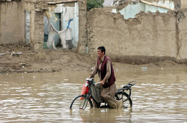 В Афганистане из-за внезапных наводнений погибли более 30 человек