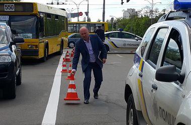 В Киеве женщина попала под колеса патрульного авто