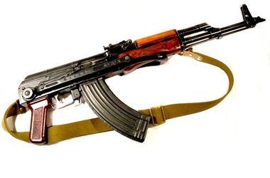 На стадионе во Львове нашли снайперскую винтовку, автомат и пистолеты Макарова