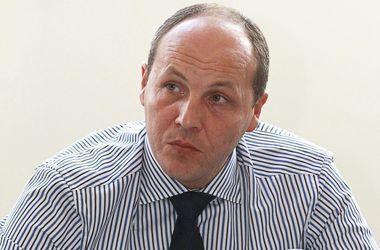 Парубий посоветовал депутатам брать пример с обычных украинцев
