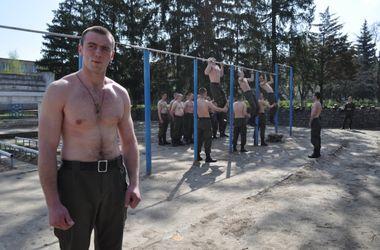 Видео фото голого солдата фото 535-264