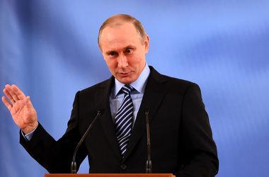 """Путин призвал вливать """"новую кровь"""" в российскую политику"""
