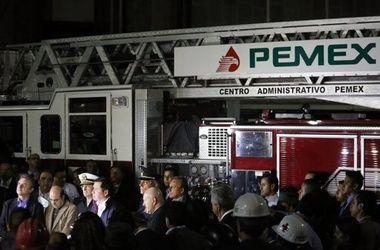В Мексике на заводе Pemex произошел мощный взрыв