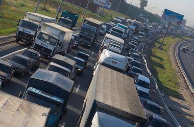 На украинско-польской границе образовалась большая пробка