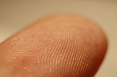 В Японии деньги хотят заменить на отпечатки пальцев