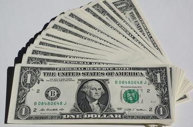 Курс доллара в Украине вошел в плавное пике