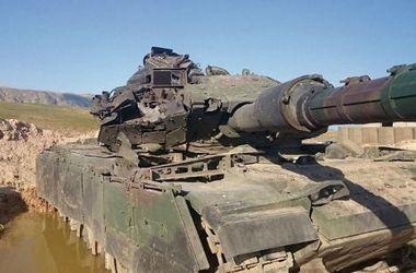 """Турецкий танк не дрогнул перед российской ракетой, выпущенной боевиками """"ИГ"""""""