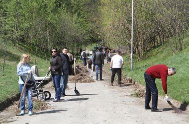 Через месяц в Киеве отремонтируют 15 парков и скверов