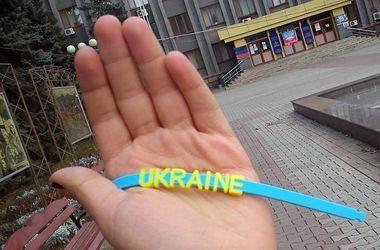 """Патриотизм в оккупированном Донецке: люди """"сливают"""" боевиков и говорят на украинском"""