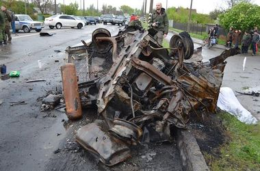"""Смертельный обстрел блокпоста на Донбассе: """"Видел одну полностью сгоревшую машину – там были люди"""""""