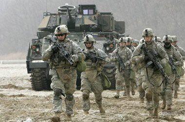 НАТО готовится перебросить 4 тысячи солдат к границам России – СМИ
