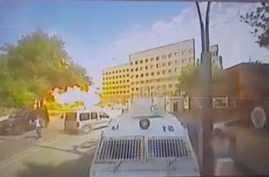 В сети появилось видео теракта на юге Турции