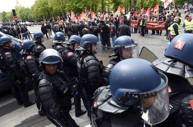 Париж снова захлестнули массовые протесты