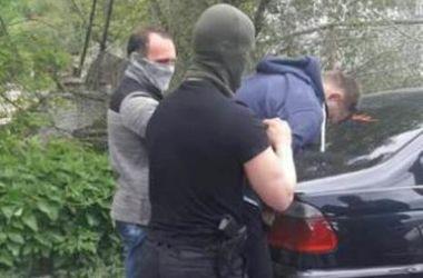 В Харькове на взятке попались два таможенника