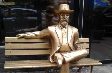 На Пушкинской появилась необычная уличная скульптура