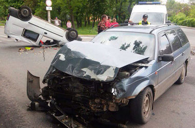 Страшное ДТП в Полтаве: погиб ребенок, много раненых
