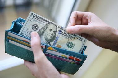 Курс доллара в Украине вырос после праздников