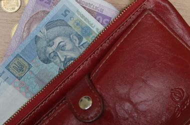 В Киеве в подъезде неизвестный ограбил пенсионера