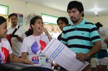 За боксера Мэнни Пакьяо проголосовало 15 миллионов человек: он избран в сенат Филиппин